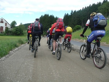 bike-ride-1122885_640
