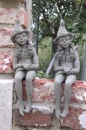 sculpture-1000309_640